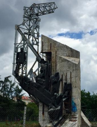 More Soviet-style sculpture