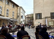 Lunchtime in Lourmarin