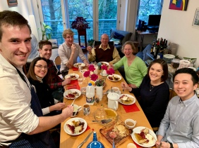 Friends & family gathered for Thanksgiving in London
